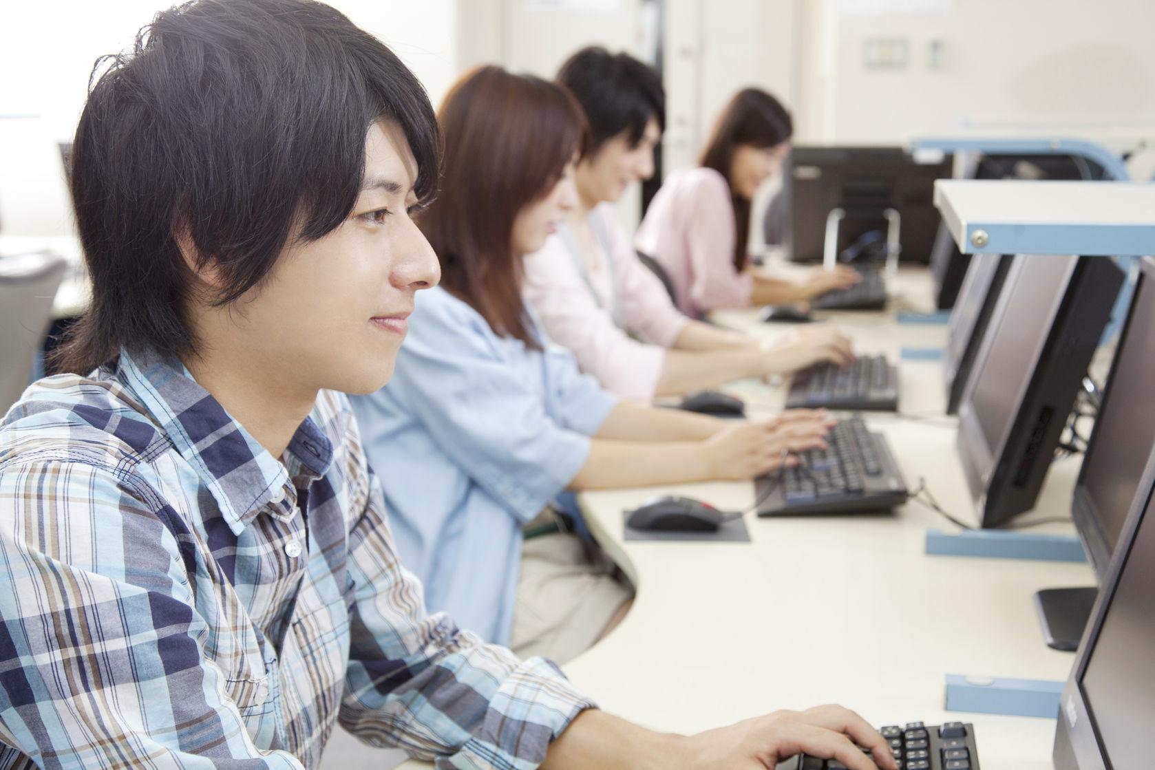 學校客製自己的需求 量身訂做 校內初選辦法 大考的系統最Smart!校內選填全掌握